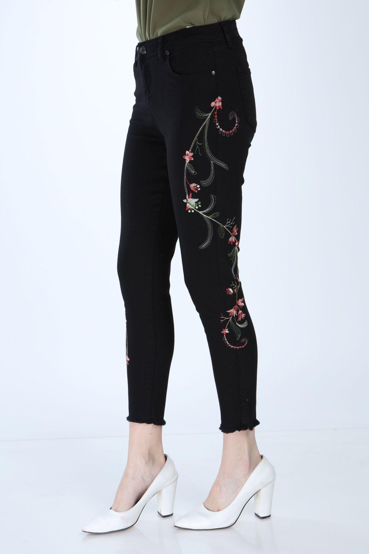 Siyah Likralı Nakışlı Pantolon 3E-1004