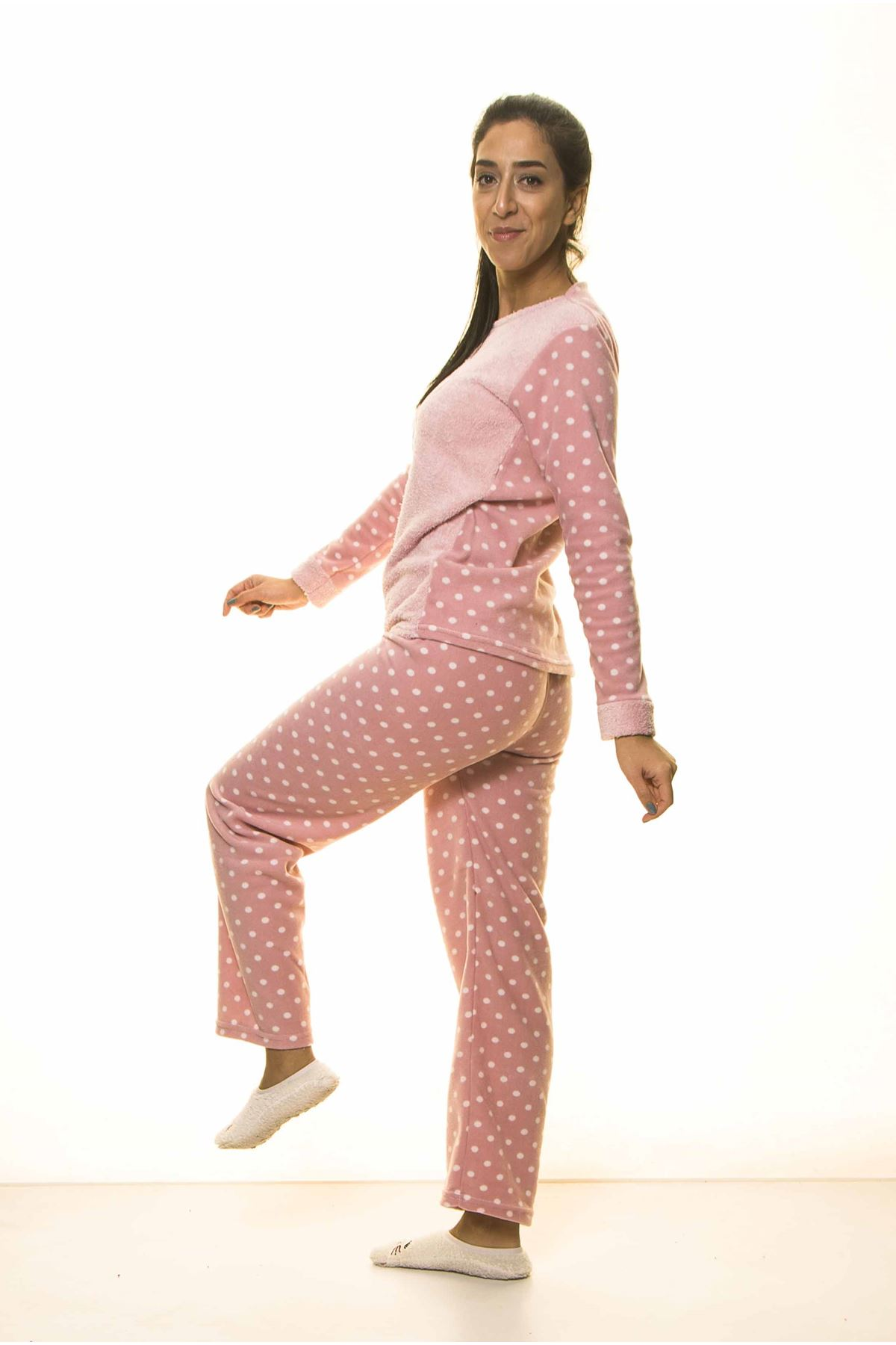 Pembe Puantiyeli Kışlık Welsoft Peluş Pijama 13E-2060