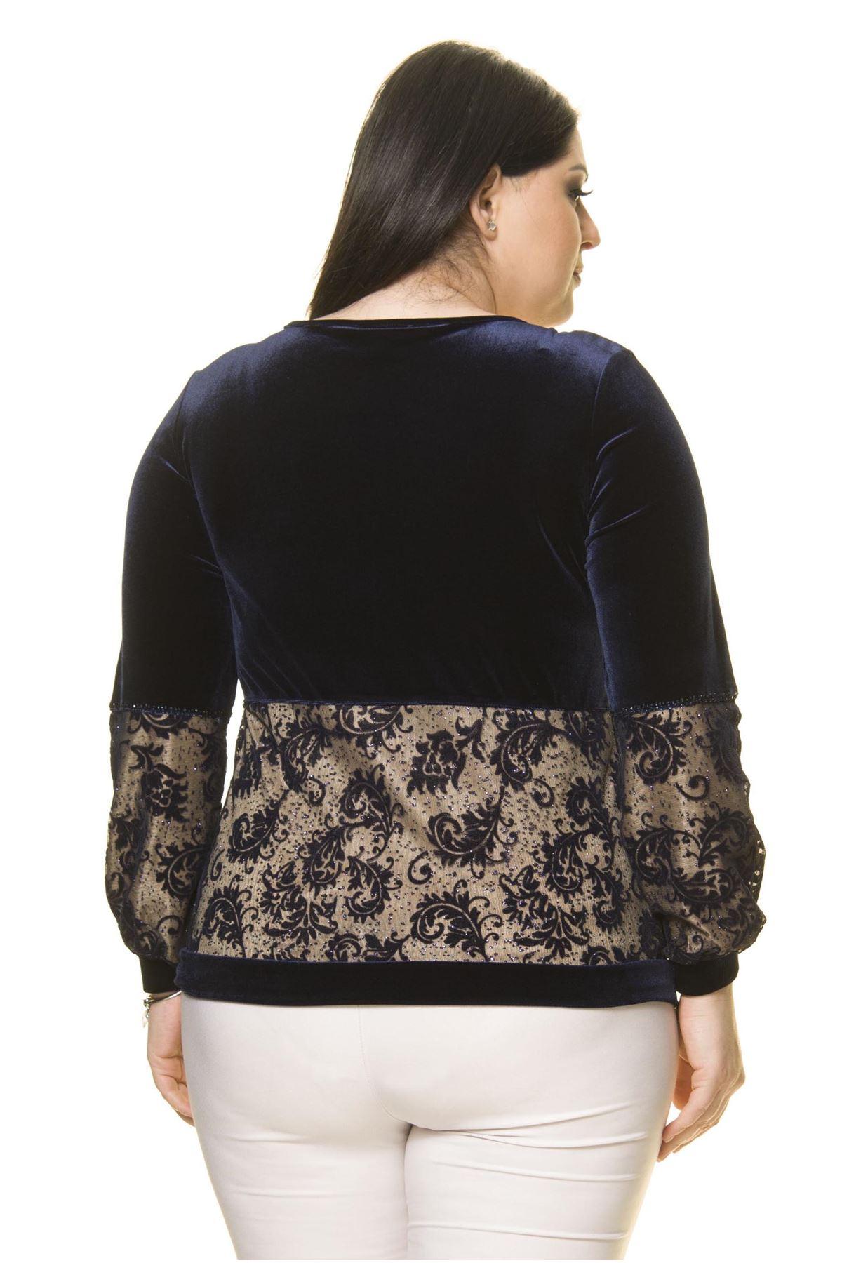 Kadın Büyük Beden Lacivert  İşlemeli Dantelli Kadife  Bluz A7-3021