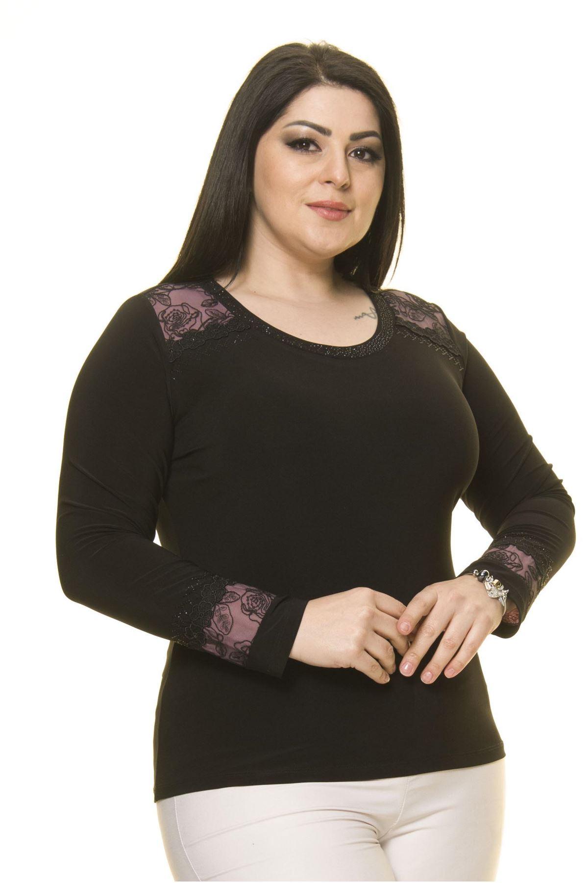 Kadın Büyük Beden Siyah Taş İşlemeli Bluz A7-3030