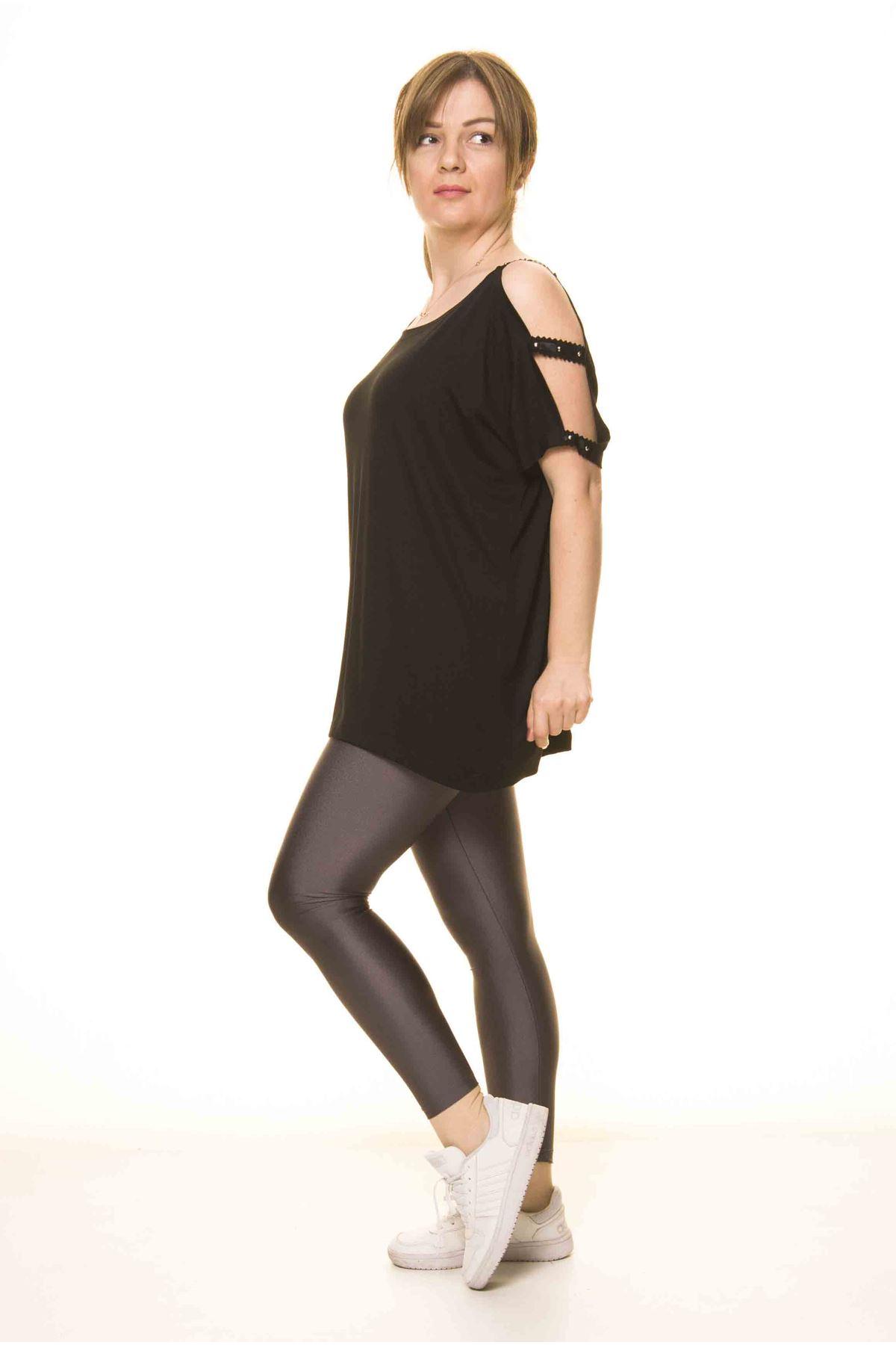 Kadın Siyah Omuz Dekolteli  Bluz 14D-3064-1