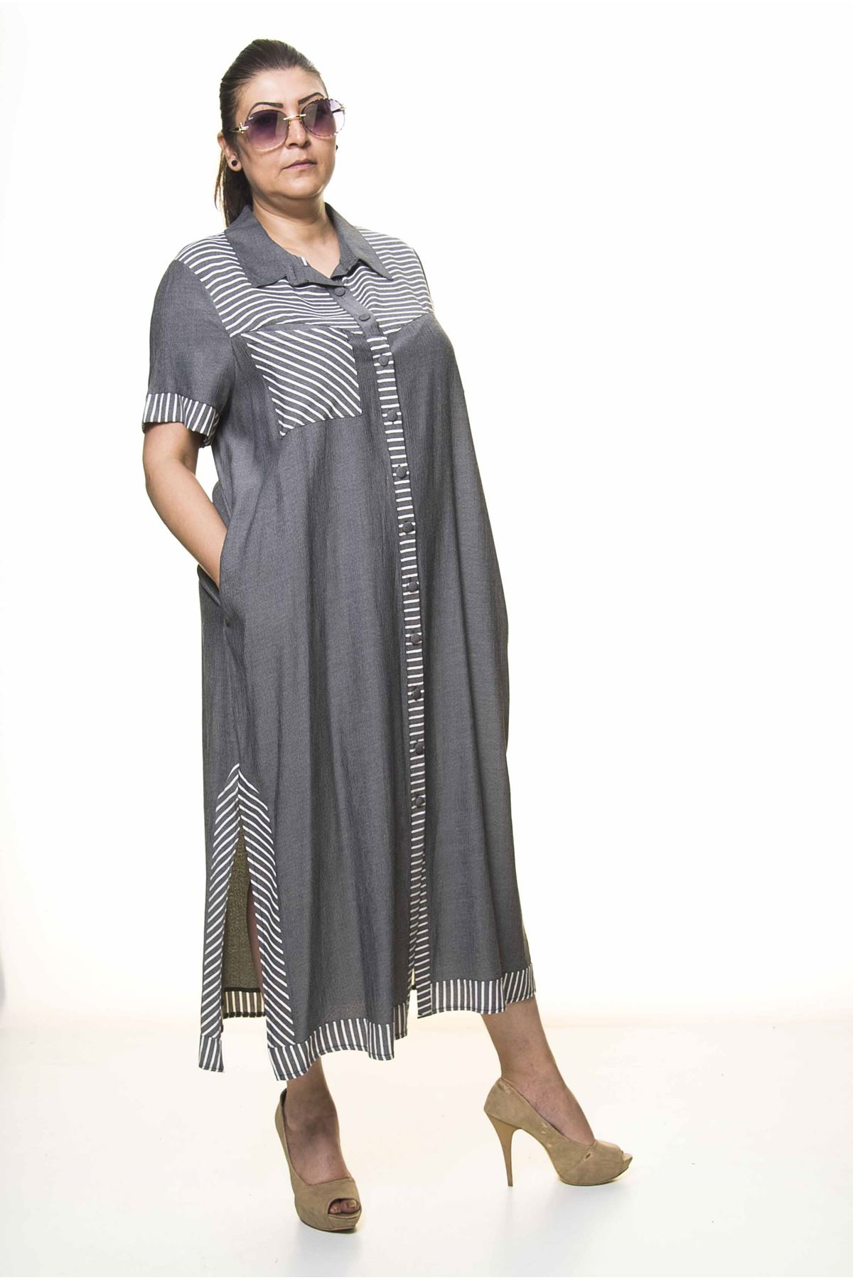 Kadın Büyük Beden Düğmeli Gömlek Yaka  Cepli Yazlık Uzun Elbise A3-4034