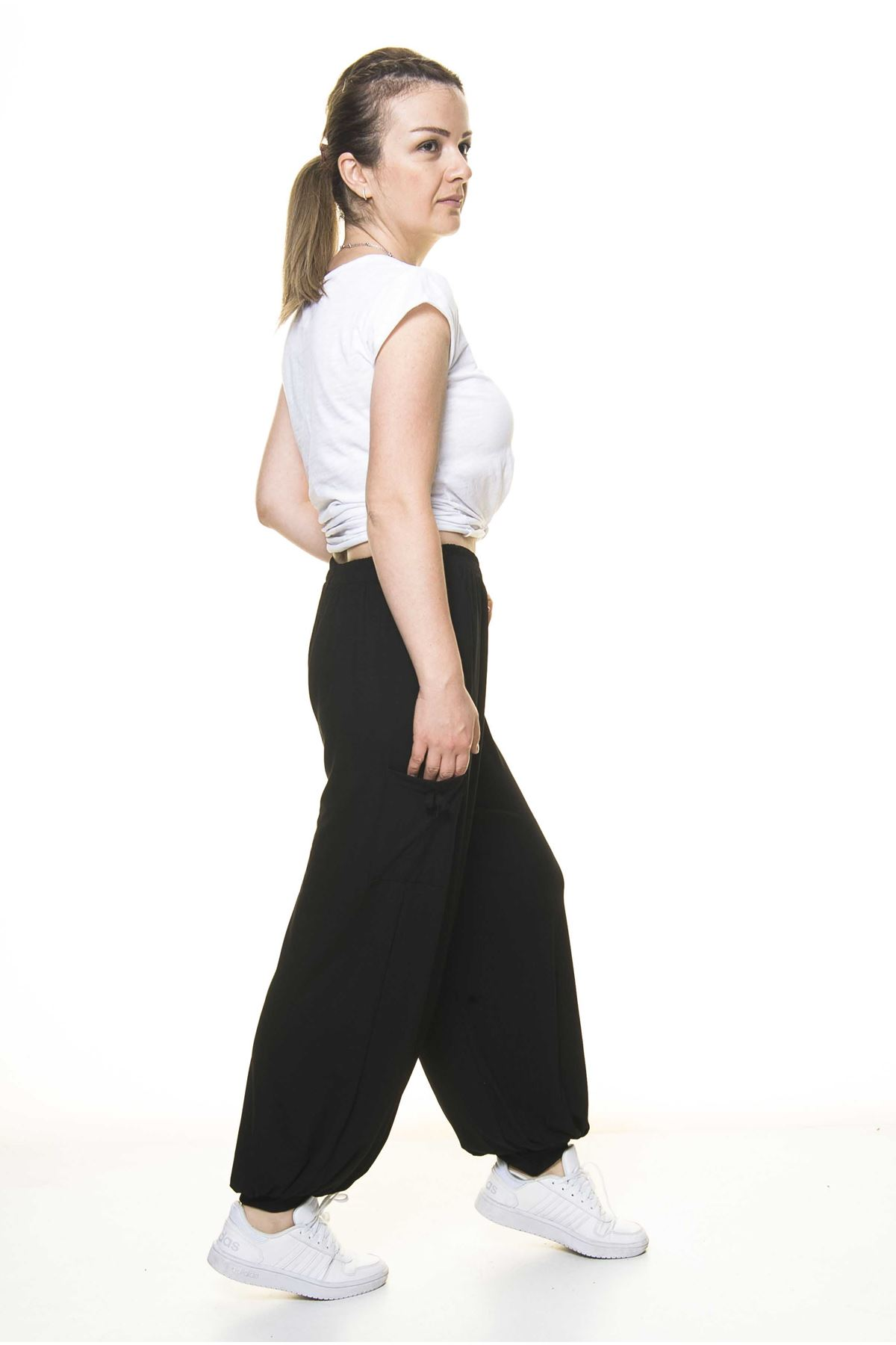 Kadın Beli Lastikli Düz Siyah Şalvar Pantolon 8C-4008