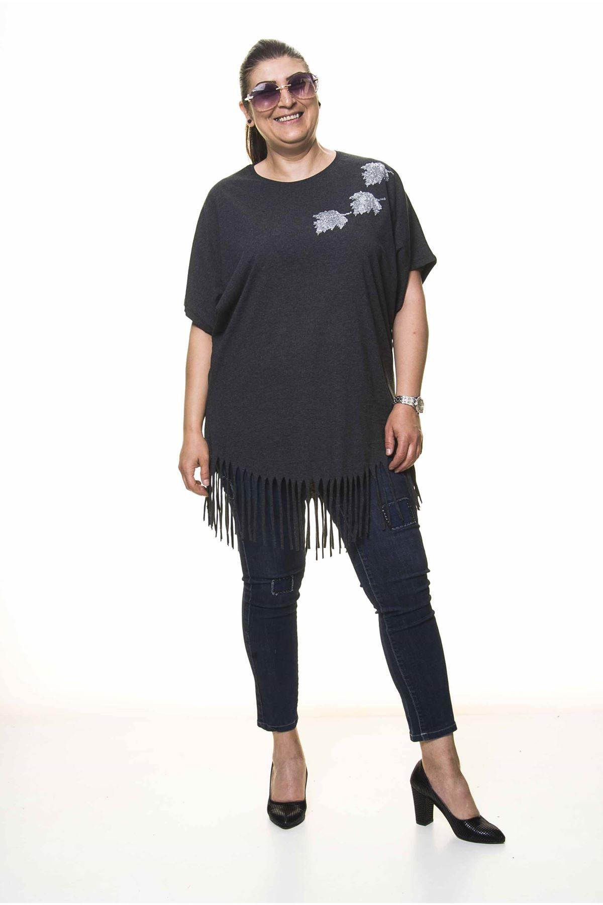 Kadın Büyük Beden Antrasit Püsküllü Bluz  A1-4045